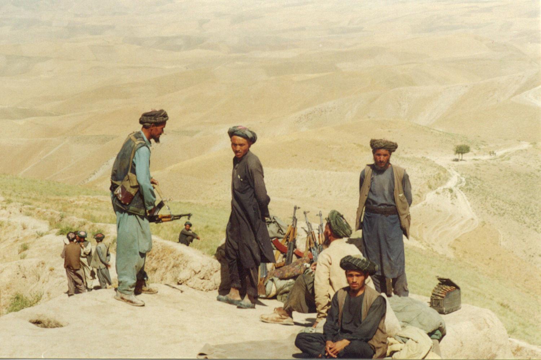 """Узбеки-локайцы из """"Джамаате Исломи"""" в районе Талукана, провинция Тахар, 1998 год. Фото А. Князева."""